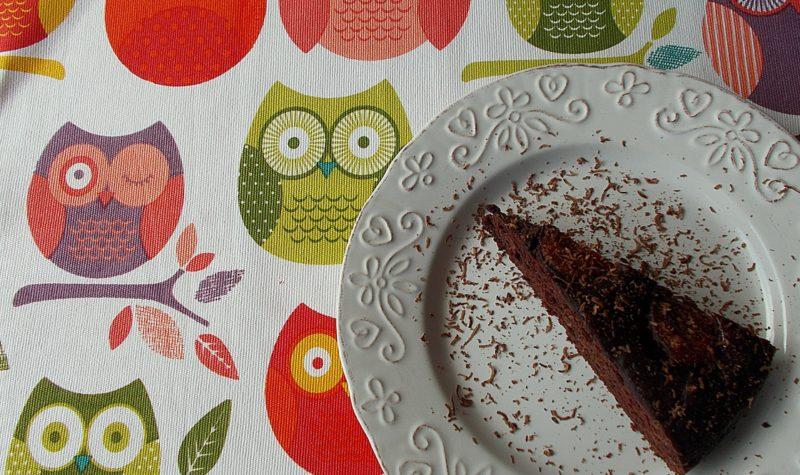 czekoladowe-ciasto-ze-sliwkami-3
