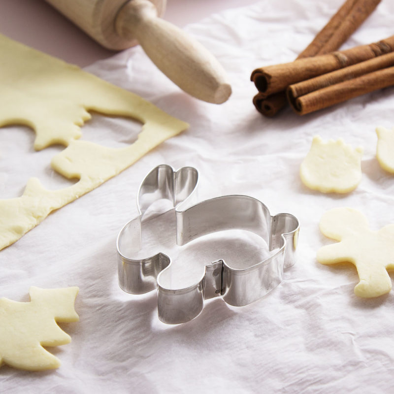 foremka-wykrawacz-do-ciastek-metalowy-zajaczek-5-5-cm