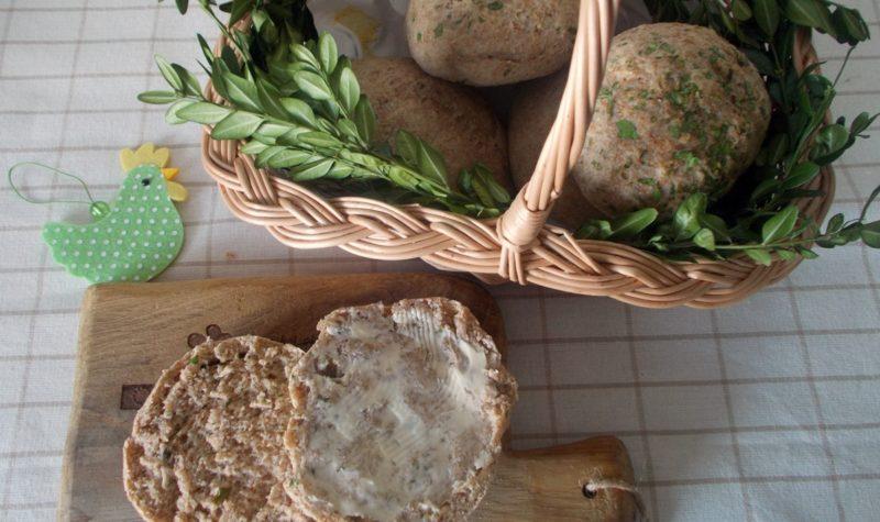 wielkanocne-chlebki-z-ziolami-i-olejem-rzepakowym
